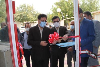 افتتاح واحدهای تولید ماسک به مناسبت هفته پدافند غیر عامل با حضور رییس سازمان صنعت،معدن و تجارت کردستان و معاون سیاسی و امنیتی استانداری کردستان و جمعی دیگر از مدیران دستگاههای اجرایی